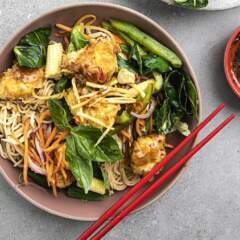 Thai coconut crunchy chicken noodles